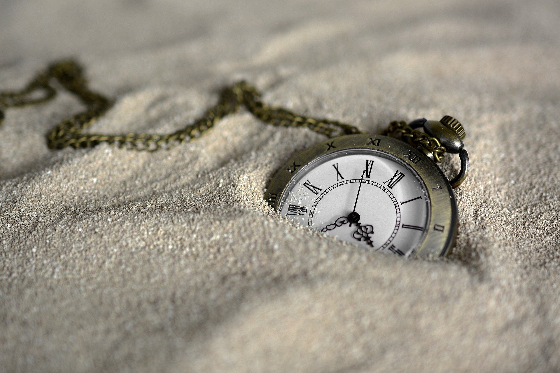 +20 poemas de Mario Quintana para mirar el tiempo